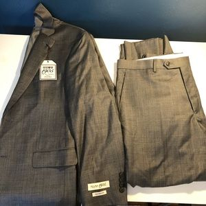 Jos A Bank 1905 Collection Tailored Fit Plaid Suit